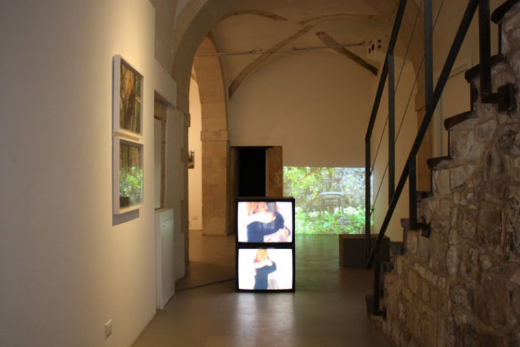 Claudia_Ponzi_visual_artist_arte_contemporanea_installazione_video_pittura_Claudia_Ponzi_performance_giovane_artista_donna